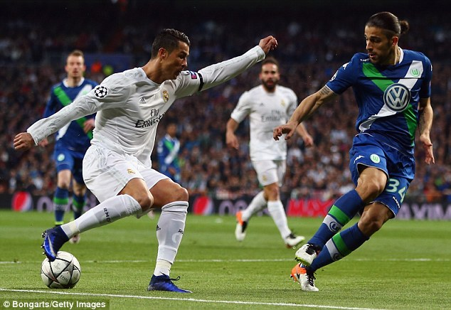 CR7-and-Ricardo-Rodriguez-Wolfsburg