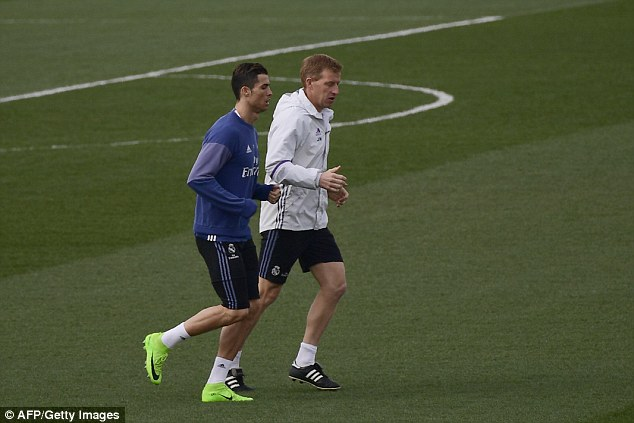 2017-03-03-CR7-and-Bale-not-playing